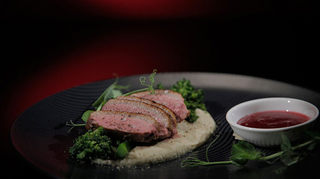 Jac & Shaz Tea smoked Duck with Fennel Purée and Cranberries Recipe